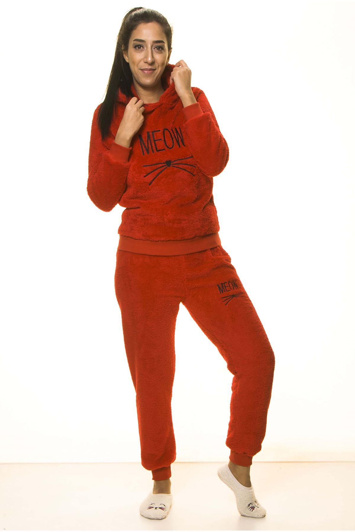 Kadın Kırmızı Meow Desenli Tam Peluş Pijama Takımı 2C-2049