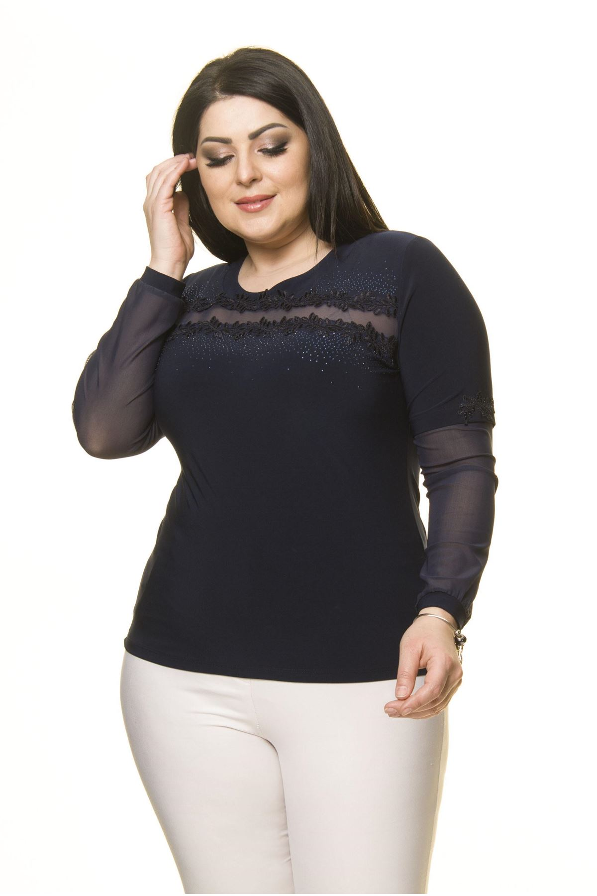 Kadın Büyük Beden Lacivert Taş İşlemeli Şifon Kol Bluz A7-3040