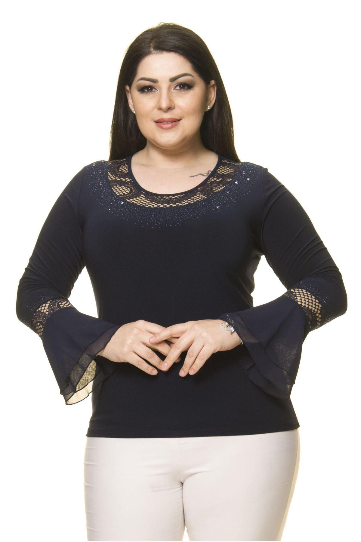 Kadın Büyük Beden Lacivert Taş İşlemeli İspanyol Kol Bluz A7-3030-1