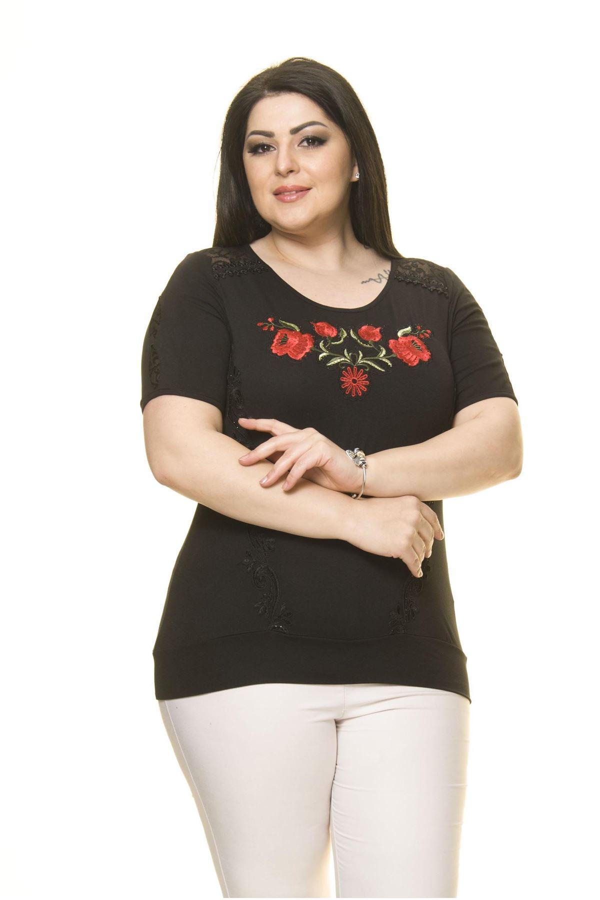 Kadın Büyük Beden Siyah Nakışlı Bluz A2-3007-1