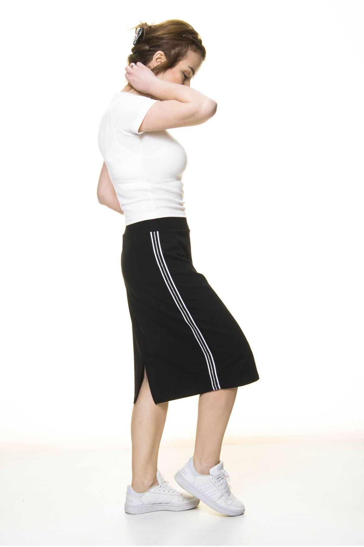Kadın Siyah Şeritli Pamuklu Spor Esnek Etek  4D-3046