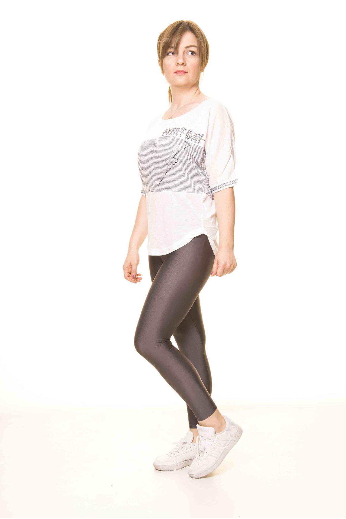Kadın Gri Taş İşlemeli Spor Bluz 14D-3067-1